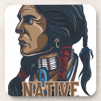 Nativo americano orgulloso posavasos