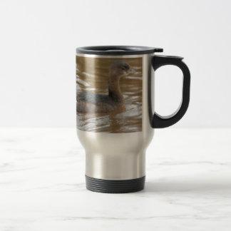 Naturaleza cargada en cuenta de varios colores del taza de café