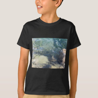 Nature background of transparent sea water flowing T-Shirt