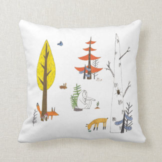 Nature illustrated cushion cojín