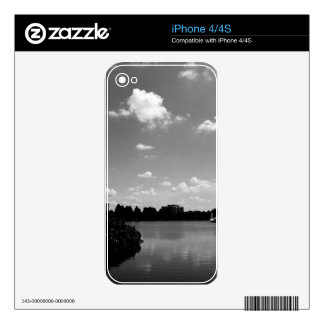 Nature in The City Decal For The iPhone 4S
