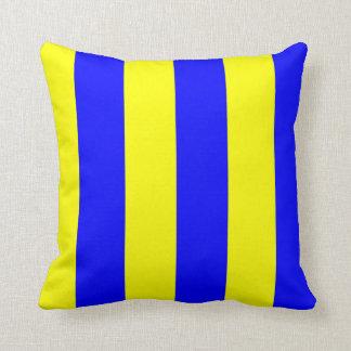 Nautical Flag Signal Letter G (Golf) Throw Pillow