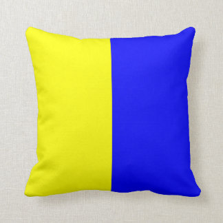 Nautical Flag Signal Letter K Throw Pillows