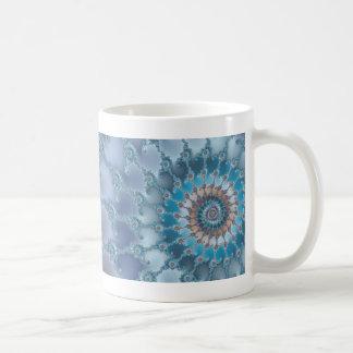 Nautilus - arte del fractal taza básica blanca