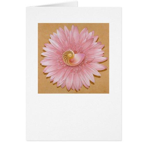 Nautilus compartimentado y flor rosada felicitacion