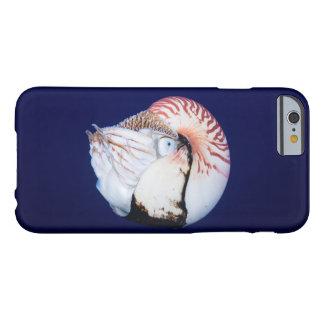 Nautilus en el caso del iPhone 6 del mar de coral Funda Para iPhone 6 Barely There
