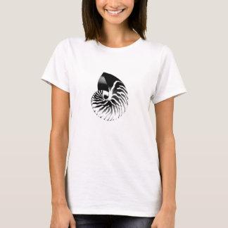 Nautilus shell - black, grey and white T-Shirt