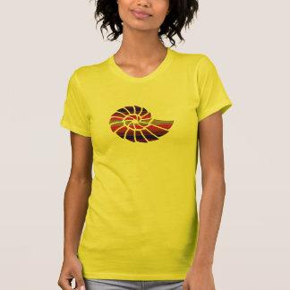 Nautilus Shell del arco iris Camiseta