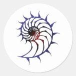 Nautilus tribal pegatina redonda