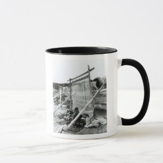 Navajo weavers, c.1914 mug