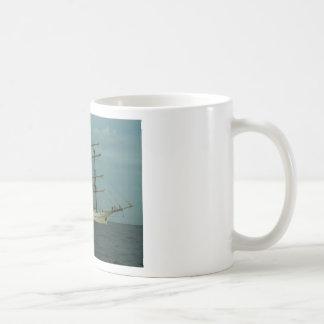 Nave alta Artemis Taza Clásica