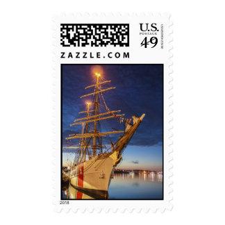 Nave alta de USCG en el puerto de Halifax Nueva E Sello