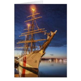 Nave alta de USCG en el puerto de Halifax Nueva E Tarjeton