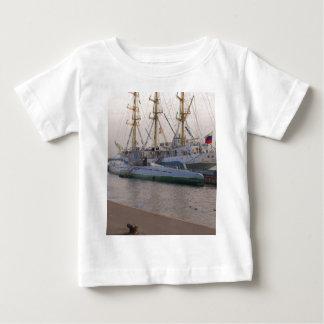 Nave alta MIR y submarino Camisas