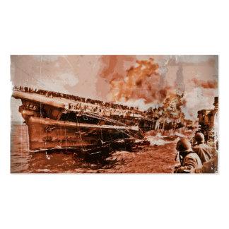 Nave ardiente en el mar tarjetas de visita