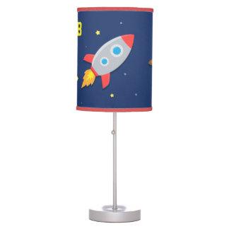 Nave colorida de Rocket, espacio exterior, para el Lámpara De Mesa