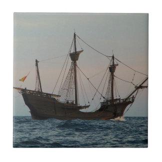 Nave de la era de Columbus Azulejo Cuadrado Pequeño