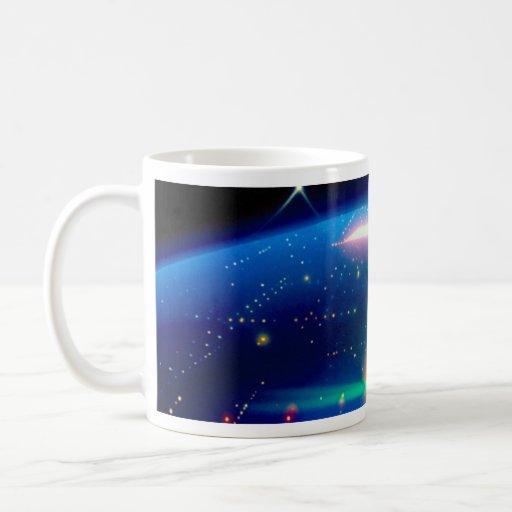 Nave de madre con los satélites de la estrella taza