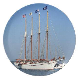 Nave de podadoras, Maine Platos
