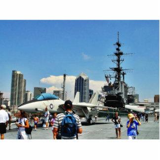 Nave de portaaviones fotoescultura vertical
