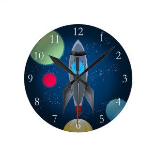 Nave de Rocket del espacio exterior Reloj Redondo Mediano