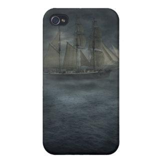 Nave del fantasma iPhone 4 carcasas