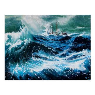 Nave en el mar en tormenta tarjeta postal