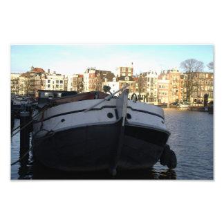 Nave en el río de Amstel, Amsterdam Foto