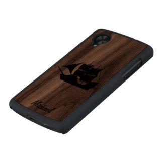 Nave negra que navega el caso de madera delgado funda de nexus 5 carved® de nogal