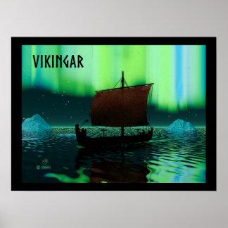 Nave y aurora boreal de Viking Póster