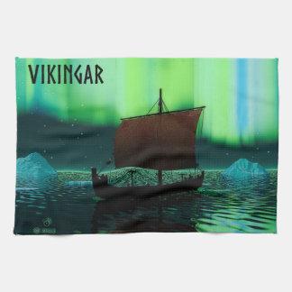 Nave y aurora boreal de Viking Toallas De Mano