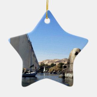 Navegación de Felucca en el Nilo en la imagen de E Adorno De Reyes