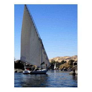 Navegación de Felucca en el Nilo en la imagen de Postales