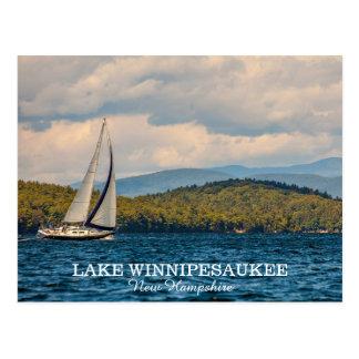 Navegación en el lago Winnipesaukee en New Tarjetas Postales