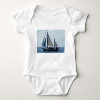 Navegación Ketch Francisca Camisas