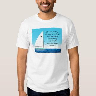 Navegación o el ensuciar alrededor con los barcos remera