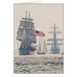 Naves altas que salen del puerto de Charleston Tarjetas