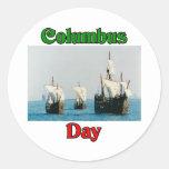 Naves del día de Colón Pegatina Redonda