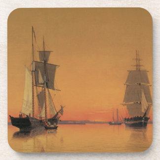 Naves en el puerto de Boston en el crepúsculo Posavasos De Bebida