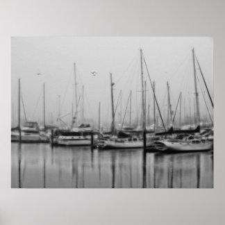 Naves en niebla poster