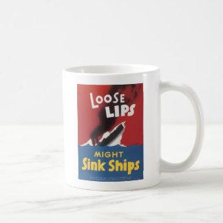 Naves flojas del fregadero de los labios taza de café