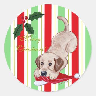 Navidad amarillo del perrito de Labrador y del gor Etiqueta Redonda