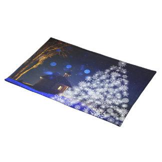 Navidad blanco del azul del árbol manteles individuales