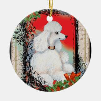 Navidad blanco del caniche y del acebo ornamento para reyes magos