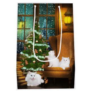 Navidad blanco del gato bolsa de regalo mediana