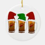 Navidad Cerveza de los amigos de Tres Adorno Redondo De Cerámica