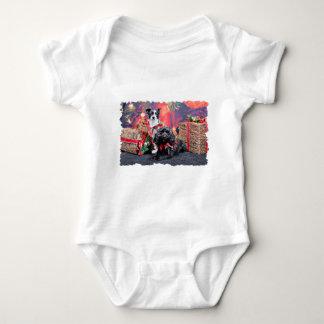 Navidad - ChihShih - Libby y Cockapoo Bailey T Shirt