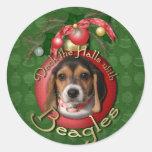 Navidad - cubierta los pasillos - beagles etiquetas redondas