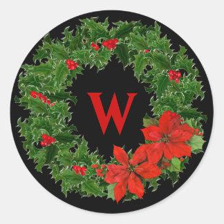 Navidad de la guirnalda del acebo del monograma en pegatina redonda
