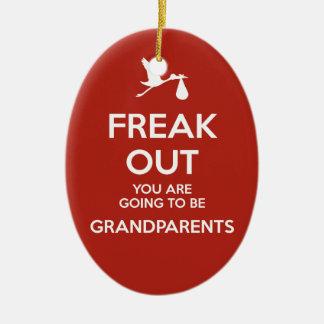 Navidad de los abuelos de la invitación del adorno navideño ovalado de cerámica
